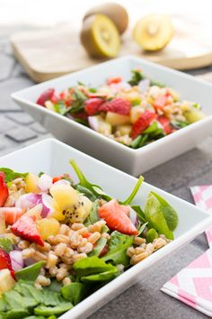 Kiwi Strawberry Spinach Salad // found on savourandshine.com