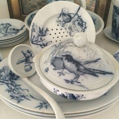 Blue and white dishes with beautiful birds