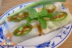 Authentic Thai recipe for Thai Fresh Spring Rolls Pa Pia Sod from Vietnamese Fresh Spring Rolls, Thai Spring Rolls, Fried Spring Rolls, Steamed Shrimp, Spring Roll Wrappers, Shrimp And Vegetables, Sour Taste, Sprout Recipes, Healthy Eating Recipes