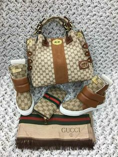 The Very Popular Gucci Handbags - BagBagg Gucci Handbags, Louis Vuitton Handbags, Fashion Handbags, Purses And Handbags, Fashion Bags, Gucci Purses, Sneakers Mode, Sneakers Fashion, Fashion Shoes