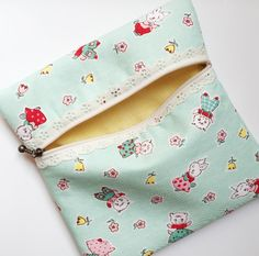 Hi there! I hope you are all enjoying your weekend! Today I have a darling zipper pouch to show you guys! :)      About a week ago, we go...