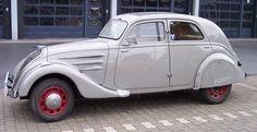 1200px-Peugeot_402_grey_l.jpg (1200×619)