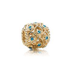 Ocean treasures - Gold charm in 14k gold with blue topaz. $400 #pandora #charm #jewelry #gold #topaz #joyeria #oro