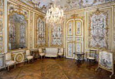 """Chateau de Chantilly  boudoir """"La Grande Singerie"""" by Christophe Huet  1737"""