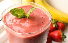 Aprenda uma receita de smoothies deliciosos e refrescantes! Veja como preparar passo a passo, smothie de morango, de banana, chocolate e muito mais!