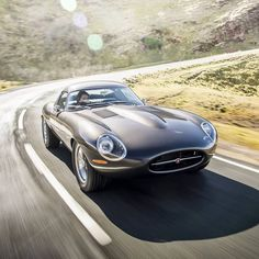 The Ultimate Grand Tourer💥🌪 Eagle Jaguar E-Type Low Drag Coup, Is there anything cooler than this😎👍? Retro Cars, Vintage Cars, Eagle Low Drag Gt, Winding Road, Jaguar E Type, Old Cars, Dream Cars, Classic Cars, Automobile