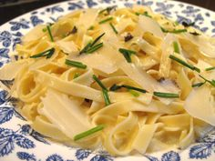 Truffle pasta - this really is a decadent but amazing dish! Fun Recipes, Cooking Recipes, Truffle Pasta, Good Food, Yummy Food, Barefoot Contessa, Prom Party, Truffles, Entrees