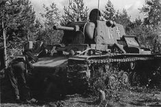 Captured Soviet heavy tank consisting of the tank regiment armored division of the Wehrmacht.