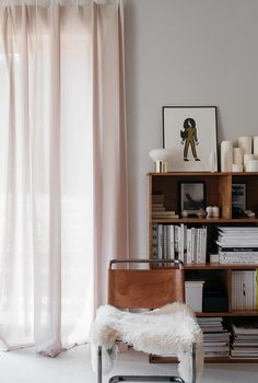all aglow. / sfgirlbybay - pale pink curtains with tan leather and chrome chair with faux fur throw. Living Room Interior, Home Interior Design, Living Room Furniture, Home Furniture, Interior Design Curtains, Simple Interior, Interior Livingroom, Office Furniture, Furniture Design