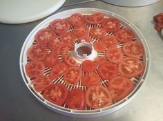 Mom taught me how to do these, there wonderful for soups and stews and they dont go bad! Dehydrating Tomatoes, Stewed Tomatoes, Canning Tomatoes, Healthy Snacks, Healthy Recipes, Easy Recipes, Healthy Eating, Soups For Kids, Dehydrated Food
