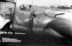 A detail of the most interesting feature of the Piaggio P.108: the twin-barrel remote controlled Breda Z2 turrets installed upper the external engine cowlings, each armed with a pair of 12.7mm (0.50) Breda-SAFAT machine guns (0.50). This feature was adopted only by another strategic bomber of the WW2, the American Boeing B-29.