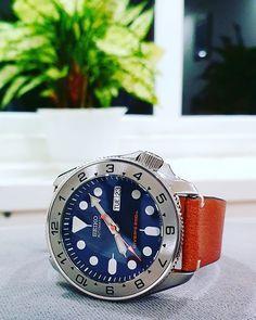 Seiko Mod, Buy Pictures, Seiko Diver, Seiko Automatic, Seiko Watches, Black Boys, Guns, Mens Fashion, Clock