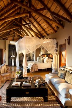 Hotel Bali, Casa Hotel, Ideas Cabaña, Bali Style Home, Hut House, African House, Tropical Bedrooms, Thatched House, Bamboo House