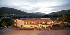 Book hotels in Nainital, Uttarakhand. Find affordable and luxury hotel rooms at Nainital.