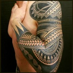The best sleeve tattoos for masculin men! Discover over 40 high quality tribal Polynesian tattoo designs.