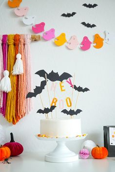 DIY Halloween Party Source by hello_ranjinee Related posts: 70 Easy Halloween Decorations Party DIY Decor Ideas 21 Fun DIY Halloween Party Decor Ideas # Ideas Amazing Outdoor Decor Ideas For Halloween Party DIY Skull Vase and Halloween Party Decor Happy Halloween, Diy Halloween Party, Bolo Halloween, Pink Halloween, Halloween Tags, Diy Halloween Decorations, Holidays Halloween, Halloween Themes, Diy Party