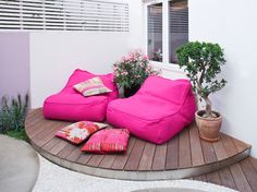 A stylish garden retreat for 2. Less is more! @HouzzUK