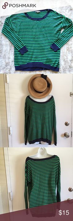 Comfy Cozy Oversized Striped Gap Sweater Comfy oversized green and navy striped sweater from Gap. Size medium. #oversized #comfy #gap #striped #sweater #medium #punkydoodle  No modeling Smoke and pet free home I do discount bundles GAP Sweaters