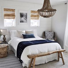 Continuing in my #sundayhomeinspo tradition of the past few weeks I thought I'd share a relatively new follow to me. It was this room right here that made me scramble to push that follow button. . This is Shelby @urbangrayhome - and I'm so inspired by how she uses texture and my favorite shade of blue in this cozy, eclectic guest bedroom. It's got this east coast girl doing some California dreaming.