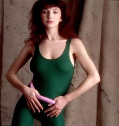 Kate Bush and the fashion world have had a long-standing love affair. The British singer, who celebrates a birthday today, is a favorite of designers like Alexander McQueen, and her music has accom… Kate Bush Babooshka, Green Leotard, Divas, Women Of Rock, Blues, Nikki Sixx, Female Singers, Female Guitarist, Her Music