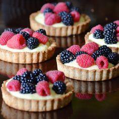 Obsessive Cooking : La Madeleine Fruit Tart // Almond Tart Crust