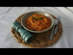Μακαρόνια μπλουμ! μακαρονάδα με κόκκινη σάλτσα, νηστίσιμη συνταγή | Gree... Greek Cooking, Spaghetti, Ethnic Recipes, Food, Essen, Meals, Yemek, Noodle, Eten