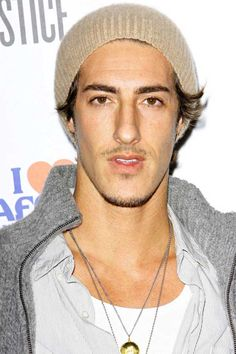 Eric Balfour Height and Weight, Biceps Size, Body Measurements