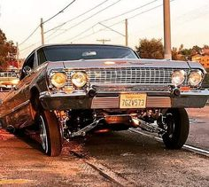 Classic Car News Pics And Videos From Around The World Chevrolet Impala, Chevrolet Chevelle, Jacked Up Chevy, Lifted Chevy Trucks, Chevy Classic, Classic Cars, 64 Impala Lowrider, Arte Lowrider, Lo Rider