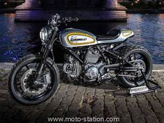 http://www.moto-station.com/article96185-ducati-magione-le-scrambler-vu-par-krugger.html