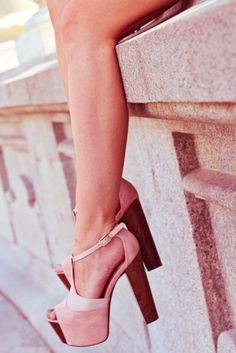 I'm slowly becoming obsessed by the chunky heel sandal...