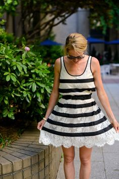 Lace Black & White BCBG
