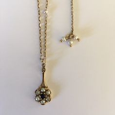 Vintage Jewelry, Jewelry Design, Pendant Necklace, Jewellery, Contemporary, Jewels, Jewelry Shop, Jewerly, Drop Necklace