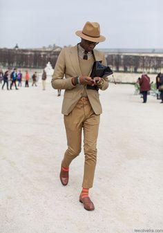 2012-12-27のファッションスナップ。着用アイテム・キーワードは30代, スリッポン, テーラード ジャケット, メガネ,etc. 理想の着こなし・コーディネートがきっとここに。| No:6907
