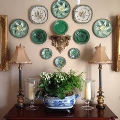 I couldn't pass up joining in on the #colormehappyparty since the color this week is my favorite color green!! There were so many pictures to choose from, but I'm posting a picture from a while back that shows some of my favorite things...green majolica, blue and white and maidenhair fern!