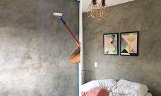 Parede cimento queimado: veja como fazer na sua casa. Saiba como fazer a textura do momento e deixe o ambiente cheio de estilo.