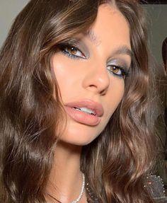 """Ash K Holm on Instagram: """"🖤 @camilamorrone 🖤"""" Airbrush Makeup, Eye Makeup, Hair Makeup, Bold Lip Makeup, Matte Makeup, Make Up Looks, Makeup Trends, Makeup Ideas, Makeup Inspo"""