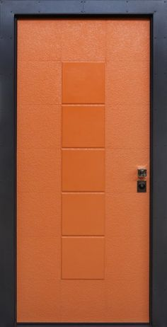 Porta blindata con pannello di ceramica in pasta bianca linea Flexible Architecture - modello Flexi Orange. Pomolo Colombo finitura cromo lucido.