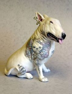 pretty sure this is the ugliest dog i've ever seen. English Bull Terrier with a Vampire Cat Tattoo. I hope this is legal! Chien Bull Terrier, Bull Terrier Tattoo, Mini Bull Terriers, English Bull Terriers, Dog Halloween, Cartoon Dog, Cat Tattoo, Dog Art, Mans Best Friend