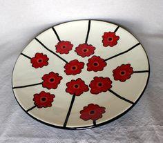 handbemalter Keramik große runde Platte mit Mohn von juliefjell, $42.00