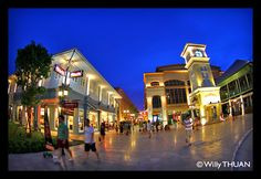 'Asiatique the Riverfront' shopping & entertainment complex is now open... well, partly open, but if you go, you will get a pretty good idea of its staggering size once completed: It is simply... gigantic!   http://www.krungthep101.net/2012/04/asiatique-riverfront-in-bangkok.html