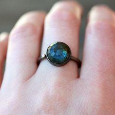 Rose Schnitt Labradorit Edelstein Ring von ShopClementine auf Etsy