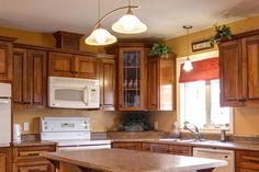40 The Best of Painting Colors For Kitchens Walls Ideas: Golden And Light Brown Painting Colors For Kitchen Walls