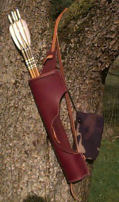 traditional quiver with a nice cutout for unobtrusive arrow removal when hunting