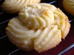 Spritz Cookies, a.a Butter Cookies Recipe. Cookie Desserts, Just Desserts, Cookie Recipes, Delicious Desserts, Dessert Recipes, Yummy Food, Cooking Cookies, Spritz Cookies, Galletas Cookies
