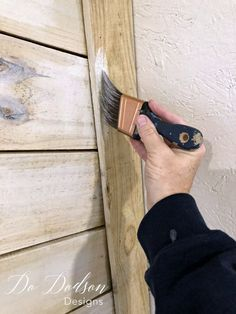 Want to whitewash wood? It's easier than you think. Using just plain enamel paint and diluting it with water makes the perfect whitewash for wood. Shabby Chic On A Budget, Diy Home Decor On A Budget, Decorating On A Budget, Hand Painted Dressers, Painted Furniture, Painting Tips, Furniture Makeover, Latex, Shopping