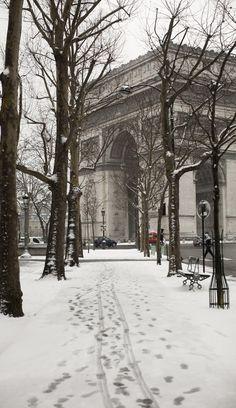 #Winter & #Snow in #Paris - France http://en.directrooms.com/hotels/subregion/2-8-208/