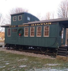This is the story of a family's tiny caboose cabin and their 1981 mobile hot tub. The chassis was bought in 1999 and the caboose cabin was built on it in 2003. By 2005, the couple were able t…