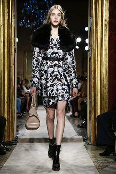 Tod's Ready To Wear Fall Winter 2015 Milan