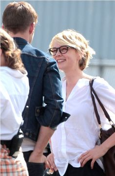 Lainey Gossip|Carey Mulligan flirts with Ryan Gosling and sightseeing in New York with a friend 01nov10