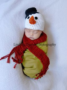 Possible Christmas time photo shoot? Crochet baby Snowman hat and scarf set. $36.00, via Etsy.